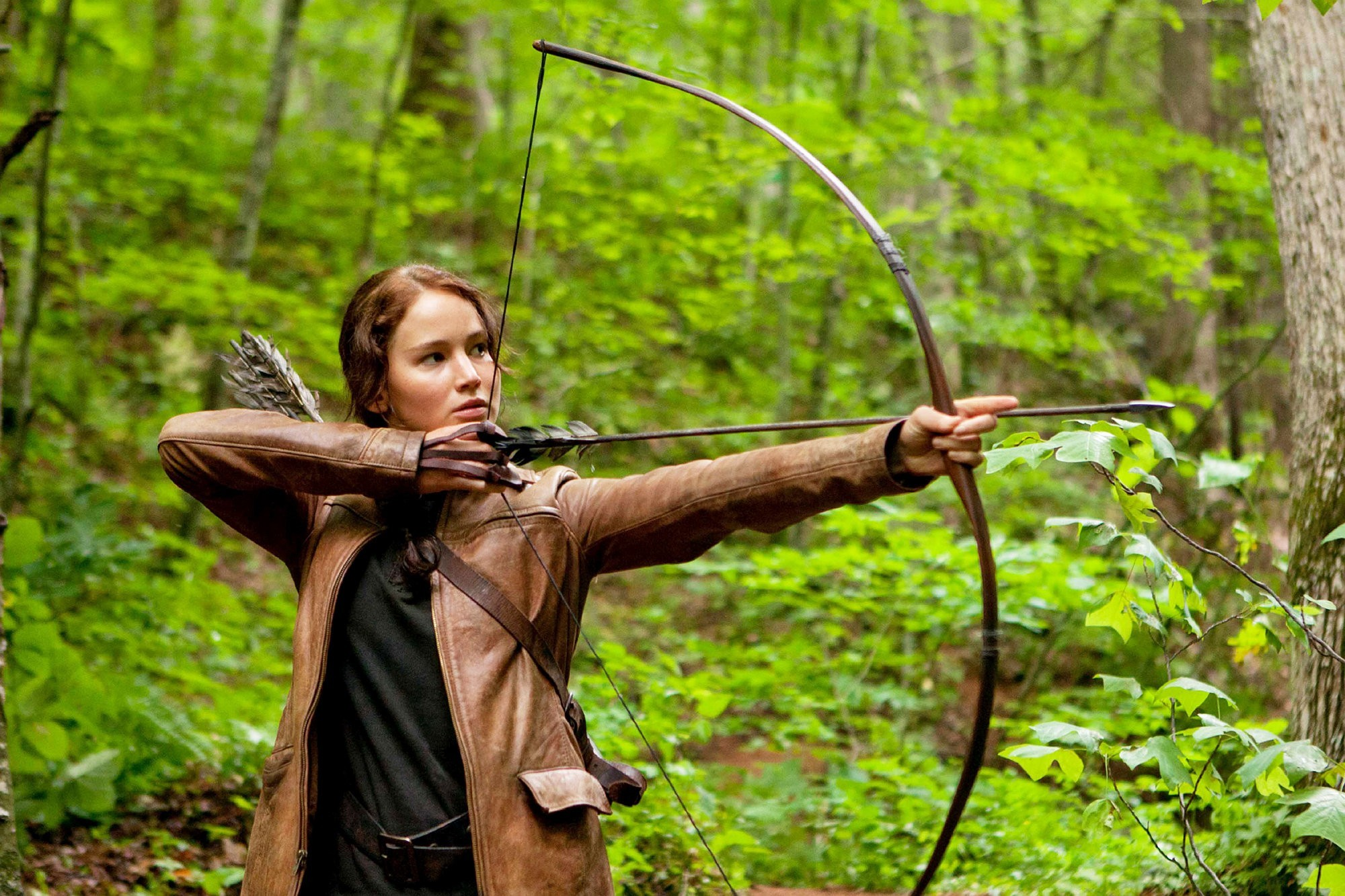 Jennifer-lawrence-stars-as-katniss-everdeen-in-the-hunger-games-haters